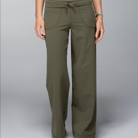 Lululemon Still Pant II *R Fatigue Green - size 2